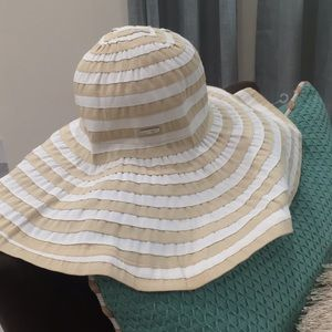 Calvin Klein sun hat